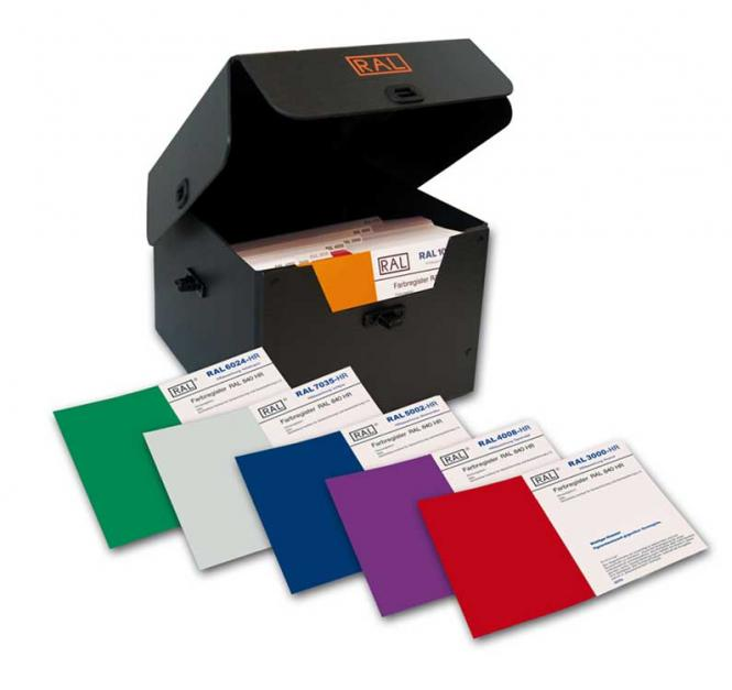 RAL 840-HR Primary standards with 213 RAL CLASSIC colours incl. Protection Box