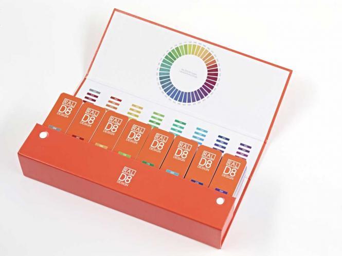 RAL D8 Box with 8 colour fan decks